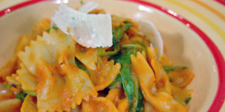 Bowtie Pasta with Roast Red Pepper Sauce and Baby Spinach