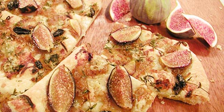Fig and Onion Pizza