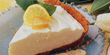 Lemon Ginger Cheesecake Pie