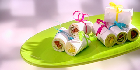 Mini Wraps with Chicken Filling