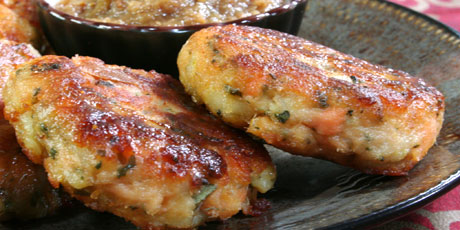 Paneer Fish Cakes with Apple and Fig Chutney