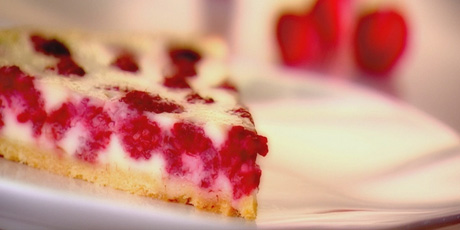 Raspberry and White Chocolate Pie