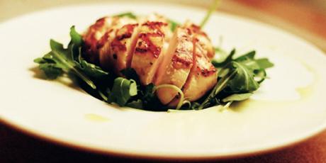 简单的鸡胸肉的酸奶,芥末和枫腌料