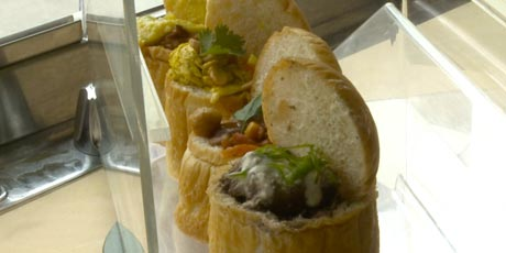 Worcestershire Braised Short Ribs Bunny Chow