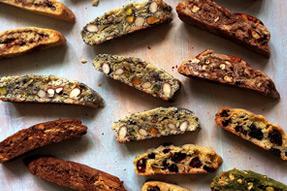 1 Easy Biscotti Recipe, 6 Tasty Christmas Cookies