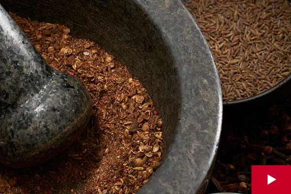 How to Make a Spice Rub for Pork, Chicken or Fish