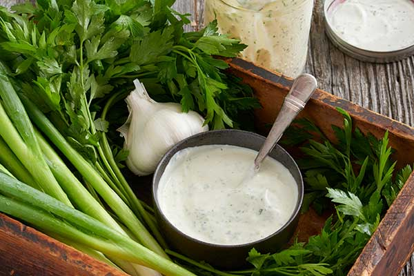 Creamy Herb and Garlic Dressing