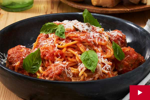 How to Make Tender Italian Meatballs with Spaghetti