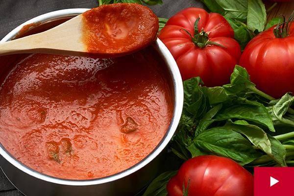 How to Make a Classic Marinara Sauce
