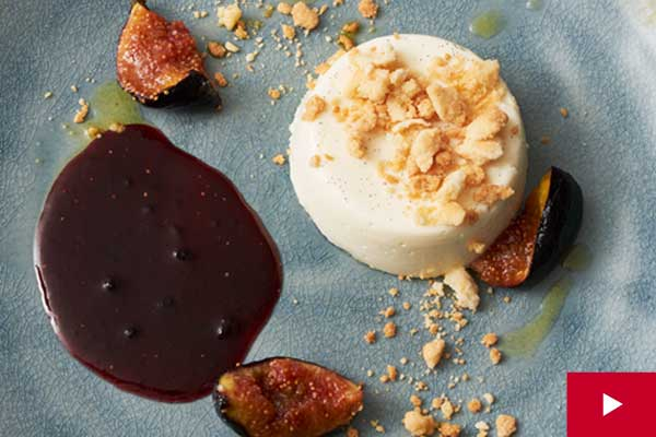How to Make a Perfectly Set Vanilla Panna Cotta with Figs