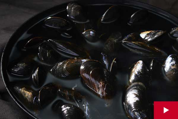 Watch: How to Buy, Prep and Store Mussels