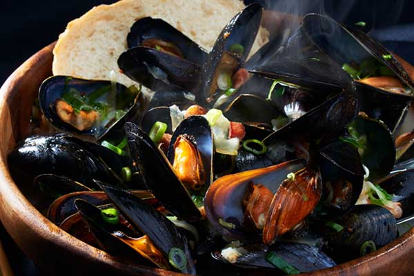 Recipe: Steamed Mussels with Bacon and Beer