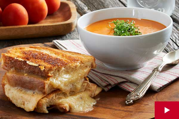 How to Make the Ultimate Grilled Cheese With Tomato Soup