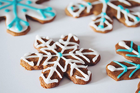 70 Classic Christmas Cookies